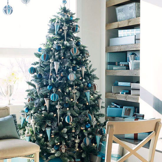 Christmas Tree With Silver Decorations: Christmas Tree Inspiration